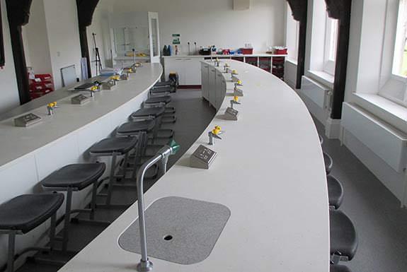 curved-island-school-lab