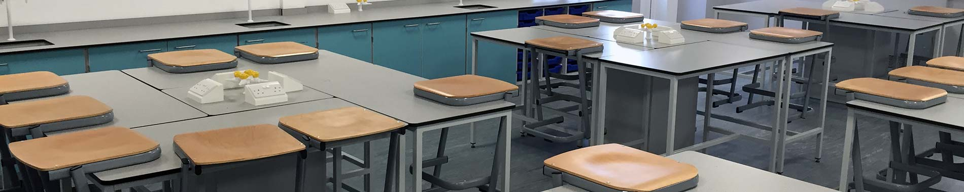 school tables and pods in a science classroom | Interfocus school tables